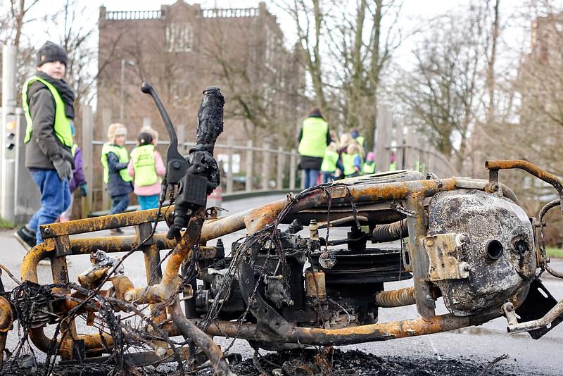 Nederland, Amsterdam, uitgebrande scooter in park Frankendael, 2 januari 2017, foto: Katrien Mulder
