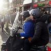 Nederland, Amsterdam, Damrak, scooterrijden op de stoep4 januari 2017, foto: Katrien Mulder