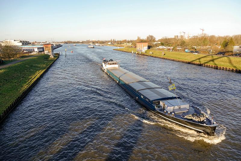 Nederland, Amsterdam, Amsterdam Rijnkanaal, 5 januari 2017, foto: Katrien Mulder