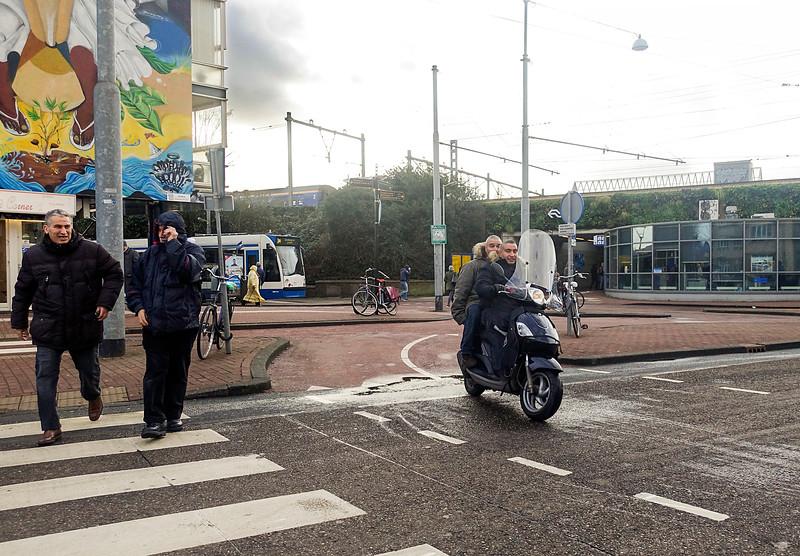 Nederland, Amsterdam, Celebesstraat, Inulindeweg, bij het Muiderpoortstation, 13 januari 2017, foto: Katrien Mulder