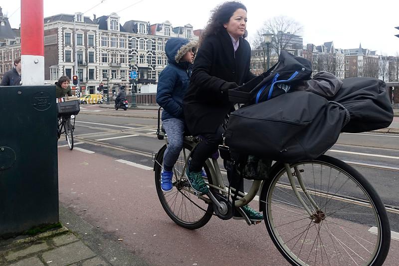 Nederland, Amsterdam, Nieuwe Amstelbrug; 31 januari 2017, foto: Katrien Mulder