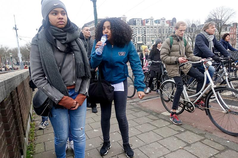 Nederland, Amsterdam, Amstel, de brug staat open, 31 januari 2017, foto: Katrien Mulder