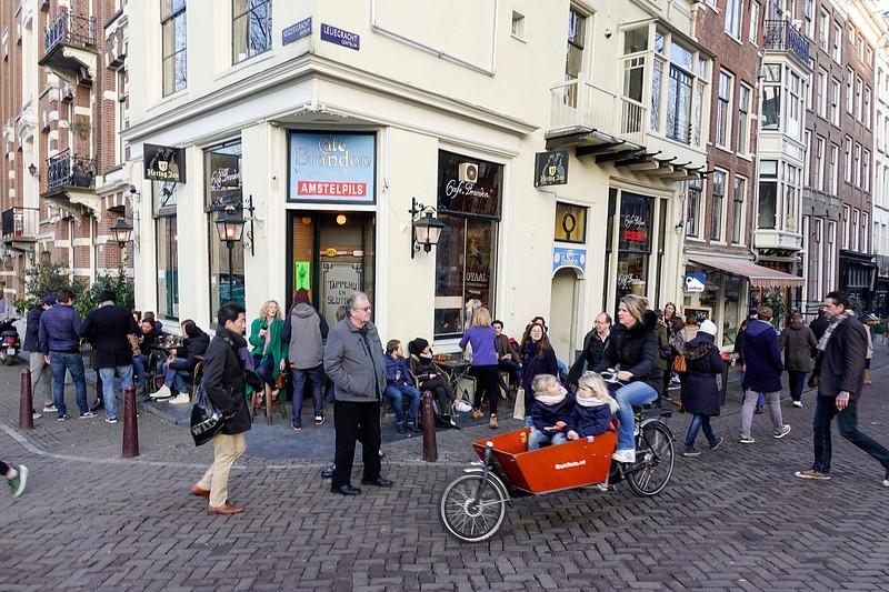 Nederland, Amsterdam, cafe Brandon, hoek Lelygracht en Keizersgracht, 18 februari 2017, foto: Katrien Mulder