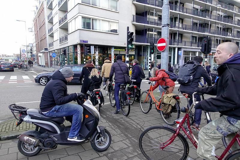 Nederland, Amsterdam, druk fietspad, 28 februari 2017, foto: Katrien Mulder