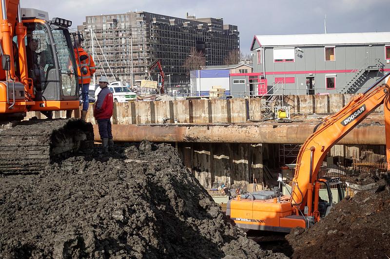Nederland, Amsterdam, bouwactiviteiten Kopgebouw, ook bekend als City Harbour Hotel, Cruquiusweg, 6 maart 2017, foto: Katrien Mulder