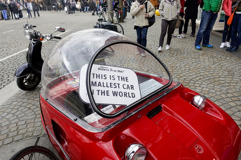 Nederland, Amsterdam, kleinste auto ter wereld; smallest car in the world; 17 april 2017, foto: Katrien Mulder