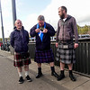 Nederland, Amsterdam, Schotse mannen in Schotse rokken, Scottish men wearing Scottish kilts, 22 april 2017, foto: Katrien Mulder