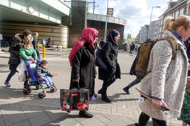 Nederland, Amsterdam, Koningsdag, vrijmarkt in Amsterdam Oost, 27 april 2017, foto: Katrien Mulder