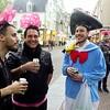 Nederland, Amsterdam, Damstraat, Franse mannen vieren een vrijgezellenfeest, 28 april 2017, foto: Katrien Mulder