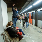Nederland, Amsterdam, 3 mei 2017, voetbalsupporters op metrostation onderweg naar  halve finale Europa League Ajax-FC Lyon, foto: Katrien Mulder