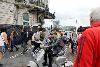 Nederland, Amsterdam, drkte hoek Danrak Prins Hendrikkade, 28 juni 2017, foto: Katrien mulder