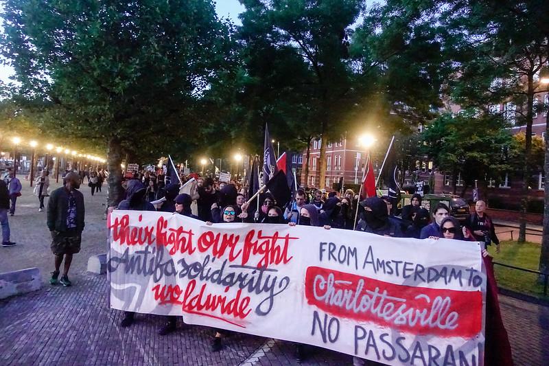 Nederland, Amsterdam, Museumplein, 17 augusttus 2017,  demonstratie georganiseerd door AFA, naar aanleiding van de  aanslag in Charottesville, foto: Katrien Mulder