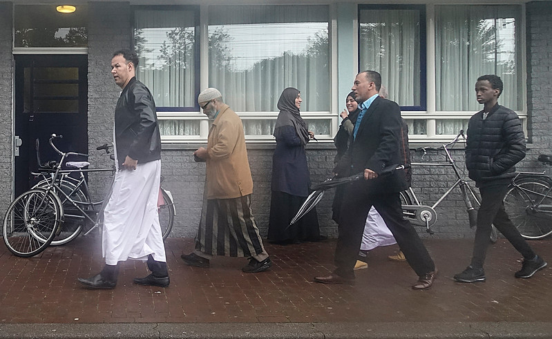 Nederland, Amsterdam, 8 september 2017, Moslims na het vrijdagmiddaggebed in moskee Nasr, Insulindeweg, Amsterdam Oost, foto: Katrien Mulder