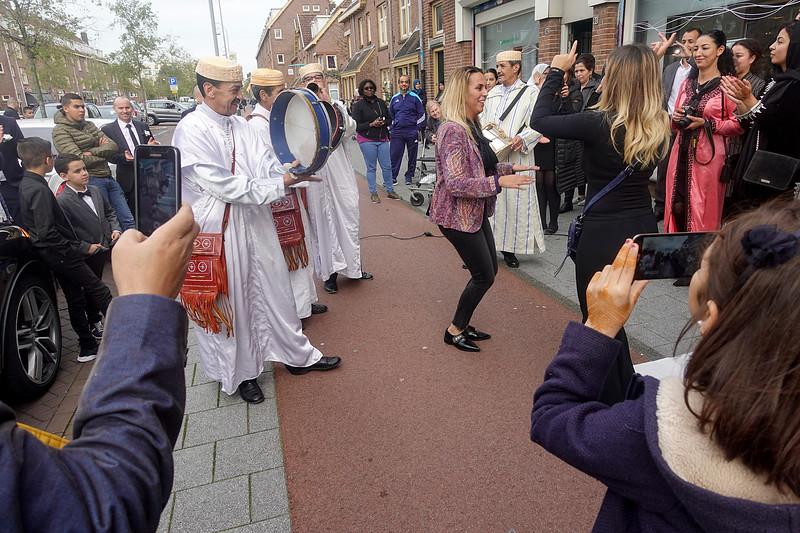 Nederland, Amsterdam, 26 oktober 2017, mnarokkaanse bruiloft in de van der Pekstraat, Amsterdam Noord, foto: Katrien Mulder