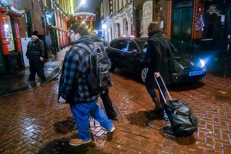 Nederland, Amsterdam, 20 november 2017, Zeedijk in de regen, foto: Katrien Mulder