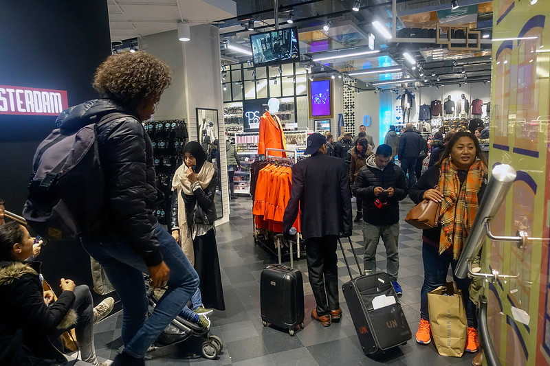 Nederland, Amsterdam, 24 november 2017, black friday, foto: Katrien Mulder