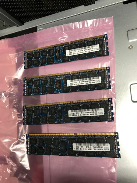4x 16GB PC3L-12800R ECC RAM