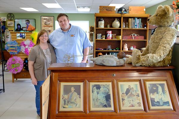 JOED VIERA/STAFF PHOTOGRAPHER-Pendleton, NY-Jennifer and Jacob  Wankasky at 5 Corners Country Store and Antiques.