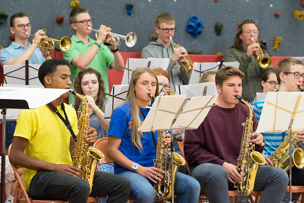 JOED VIERA/STAFF PHOTOGRAPHER-Newfane, NY-Newfane High School's Jazz Ensemble perform for Newfane Elementary Students.