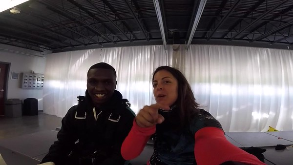 1346 Demond Wlaker Skydive at Chicagoland Skydiving Center 20171029 Amy Amy