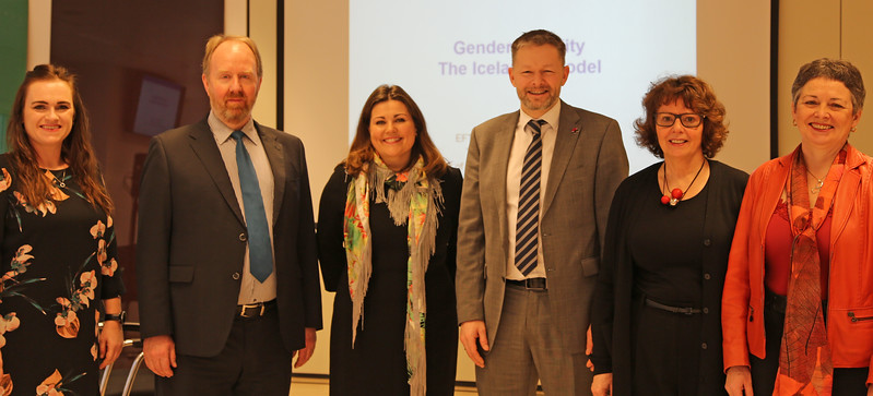 Thorsteinn Viglundssonn, Minister of Social Affairs and Equality, Iceland with panelists