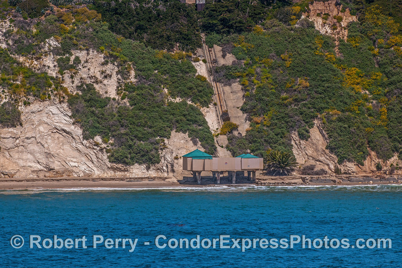 Hope Ranch beach bath & hillevator 2017 04-28 SB Coast-246