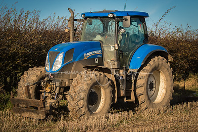 YY63 NME New Holland T7.200