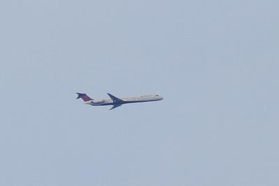 Delta MD-83