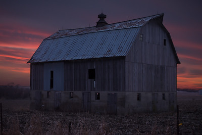 DA094,DC, Lonely Barn at Sunset