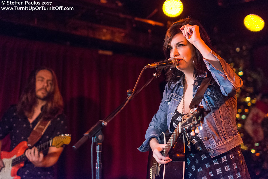 Damhnait Doyle @ Horseshoe Tavern, Toronto, ON, 14-Dec 2017