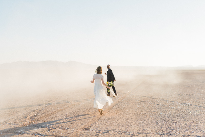 5 13 17 Leah & Mason Dry Lake Bed Sunrise Elopement-786