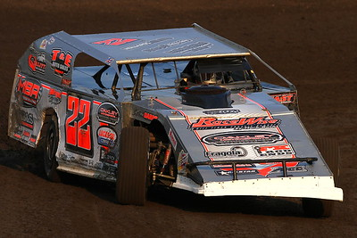 Fairbury Speedway's Casey's General Stores Modified Nationals for Summit American Modified Series