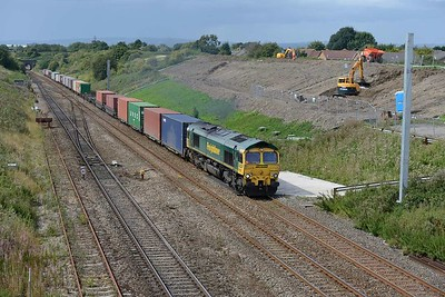 18 August 2017 :: 66556 has been routed through the Up loop at Pilning leading 4O57 from Wentloog to Southampton