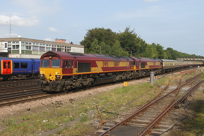 66147 Basingstoke 29/08/17 5O61 Wembley to Eastleigh with 66174