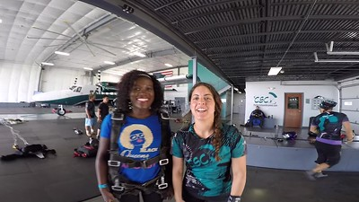 1446 Esther Lifafe Skydive at Chicagoland Skydiving Center 20170810 Amy Brad