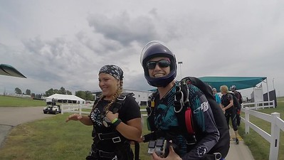 1504 Cindy Cyre Skydive at Chicagoland Skydiving Center 20170821 Jo Amy