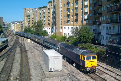 47813 leads the empty stock off 1Z18 into the sidings at Marylebone with 47812 bringing up the rear. This particular shot was grabbed with my phone held high above the parapet of the road bridge at the north end of the station (27/08/2017)