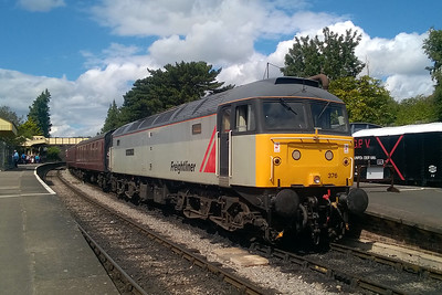 47376 pauses at Winchcombe with the 1425 from Cheltenham Race Course to Toddington (15/08/2017)