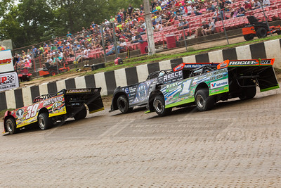 Tim McCreadie (39), Scott Bloomquist (0) and Josh Richards (1)