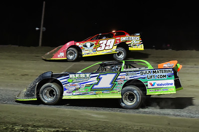 Josh Richards (1) and Tim McCreadie (39)