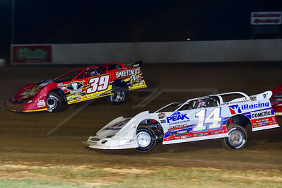 Darrell Lanigan (14) and Tim McCreadie (39)
