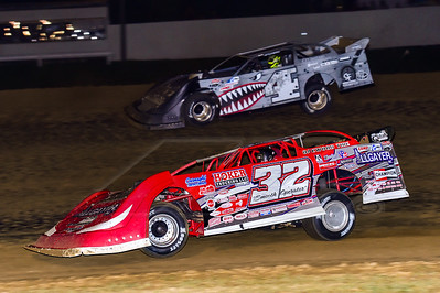 Bobby Pierce (32) and Cody Mahoney (4)
