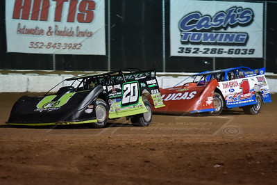 Jimmy Owens (20) and Earl Pearson, Jr. (1)