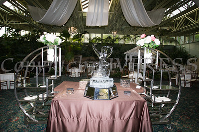 An ice sculpture adorns the reception area for the 25th Annual Tribute to Women of Achievement of Orange County held at Anthony's Pier 9 in New Windsor, NY on Wednesday, May 19, 2017. Hudson Press/CHUCK STEWART, JR.