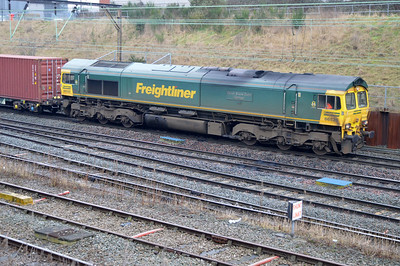 66526 1053/4m45 Felixstowe-Ditton passes Crewe Salop.