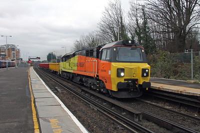 70813 Basingstoke 06/12/17 6Y41 Eastleigh to Hoo Junction
