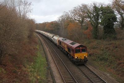 66037 Chineham 04/12/17 6O81 Southall to Eastleigh
