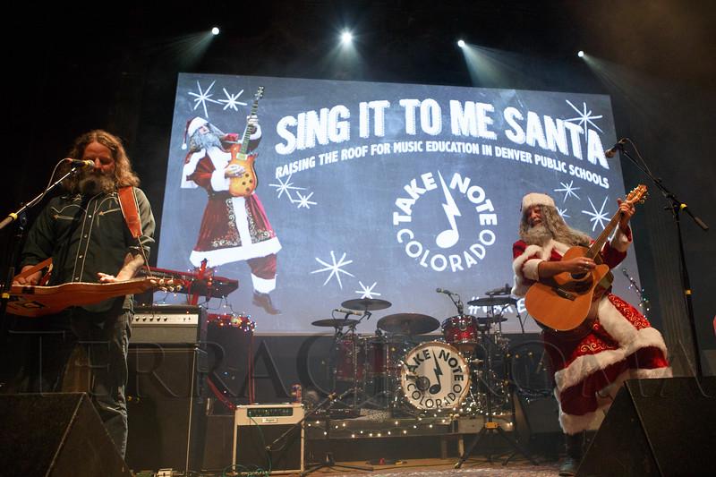sing_santa_09193804_3931