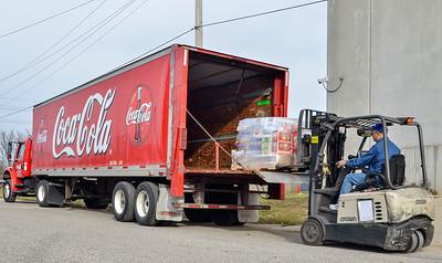 MET 121117 Truck Loading