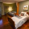 MET 120517 Hospice Room